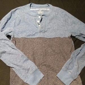 Mossimo gray/tan long sleeve size small